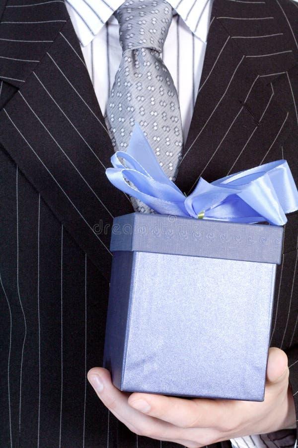 Download Homem De Negócios Com Presente Imagem de Stock - Imagem de comemoração, decoração: 528057