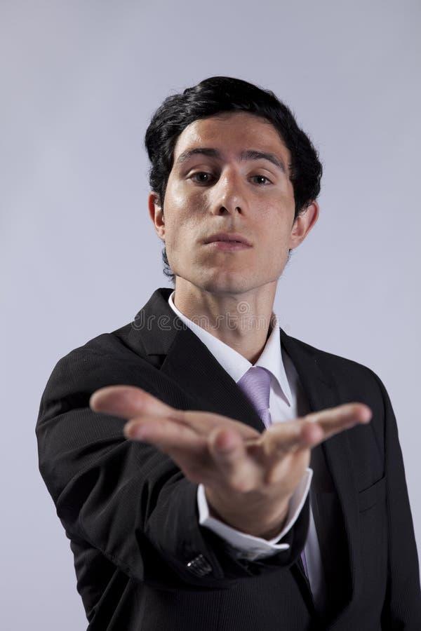 Homem de negócios com um comportamento bossy foto de stock
