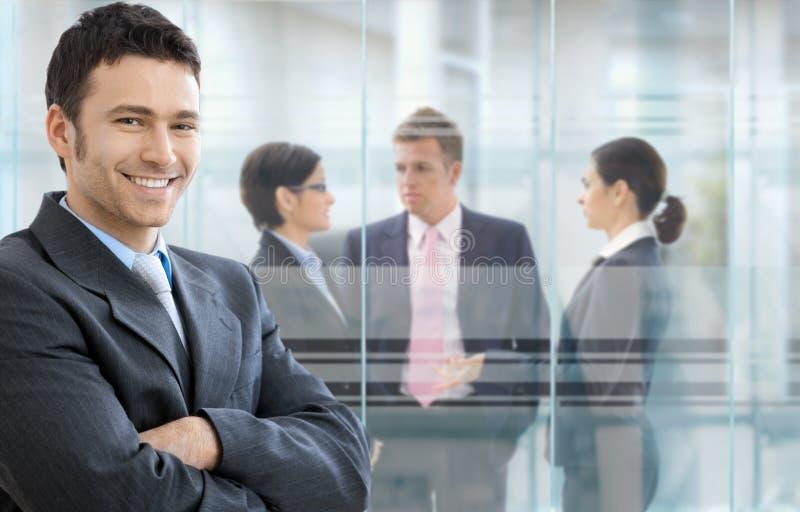 Homem de negócios confiável