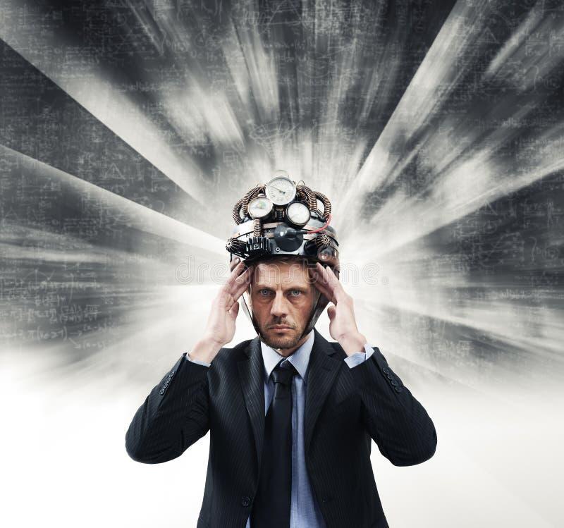 Homem de negócios criativo com capacete do steampunk fotografia de stock