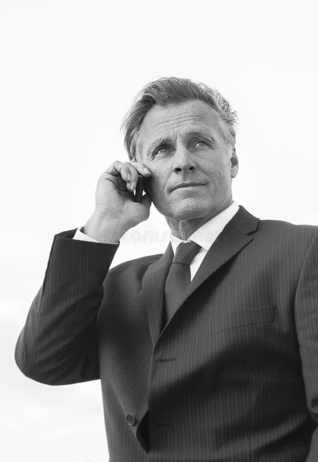 Homem de negócios de vista pensativo fotografia de stock royalty free