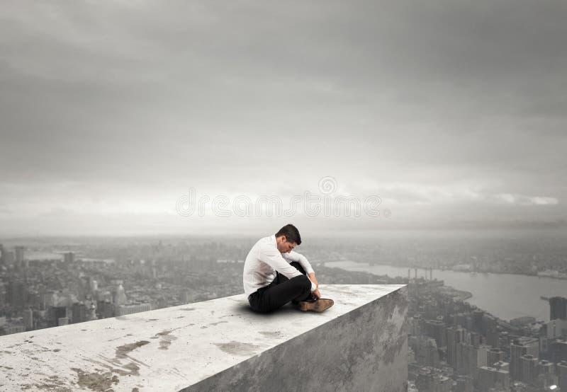 Homem de negócios desesperado sozinho conceito da solidão e da falha foto de stock royalty free