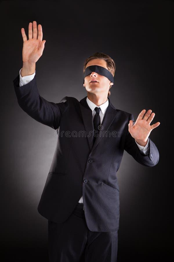 Homem de negócios desorientado fotos de stock royalty free