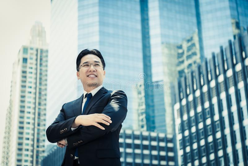 Homem de negócios do sucesso do retrato Homem de negócio considerável atrativo c imagem de stock royalty free