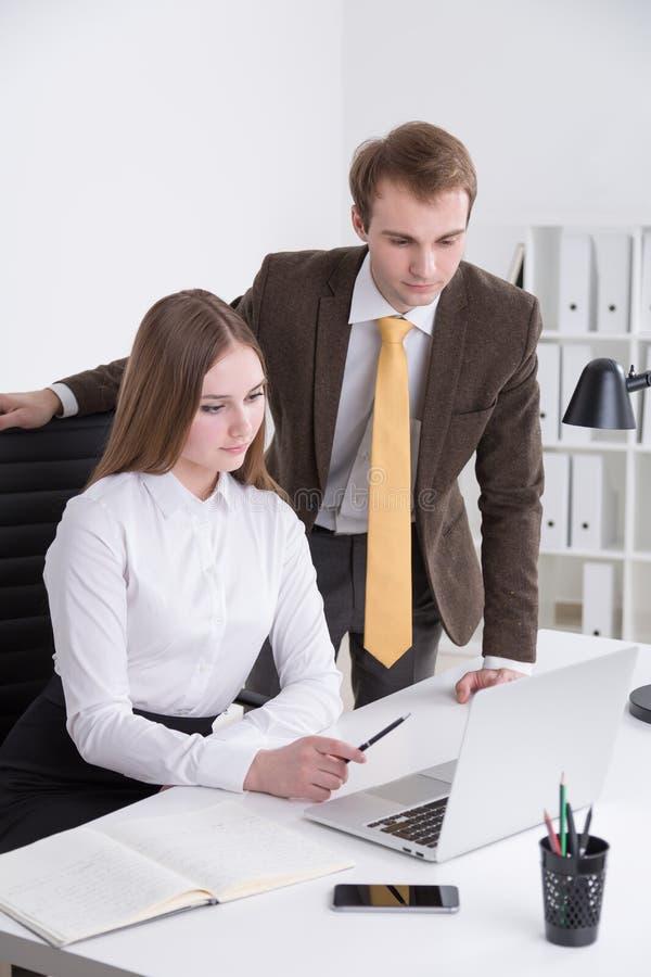 Homem de negócios e mulher de negócios fotos de stock