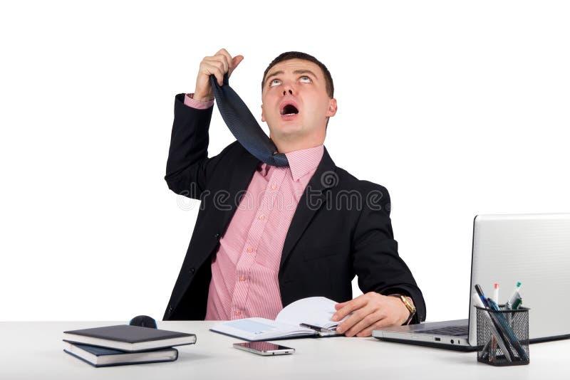 Homem de negócios engraçado, pendurado um laço isolado no fundo branco fotos de stock