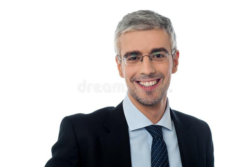 Homem de negócios envelhecido meio de sorriso fotos de stock