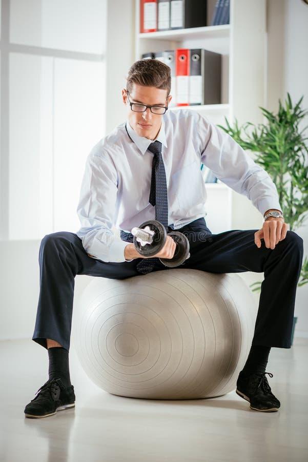 Homem de negócios Exercising imagens de stock