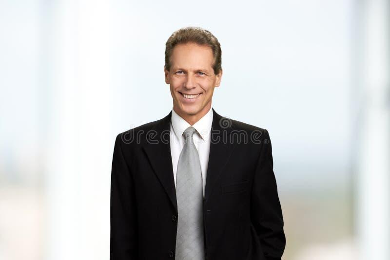 Homem de negócios maduro alegre, retrato fotos de stock royalty free