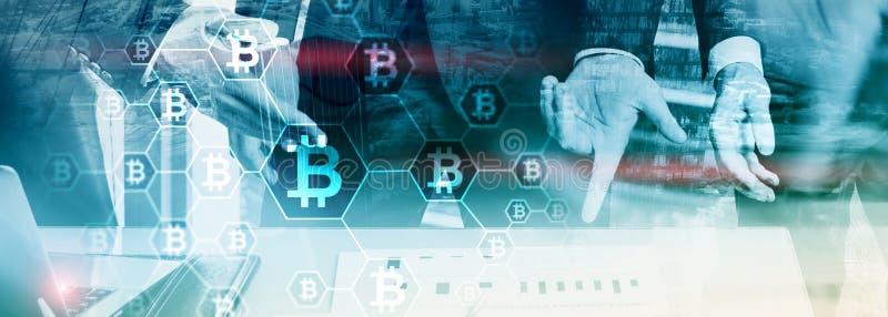 Homem de negócios no conceito do cryptocurrency do blockchain Fundo dos meios mistos fotos de stock royalty free