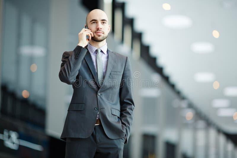 Homem de negócios no curso foto de stock