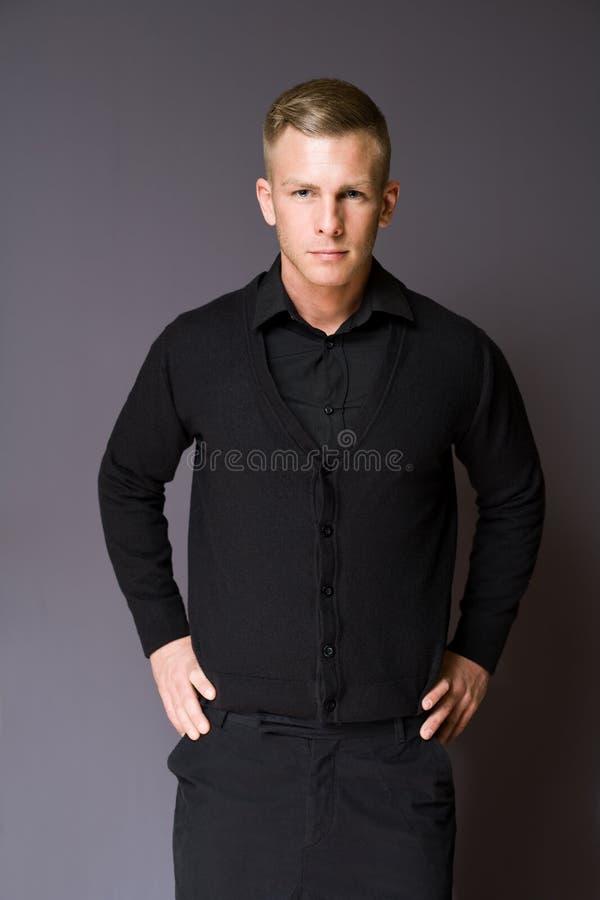 Homem de negócios novo elegante. imagem de stock