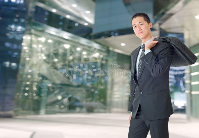 Homem de negócios novo feliz imagens de stock