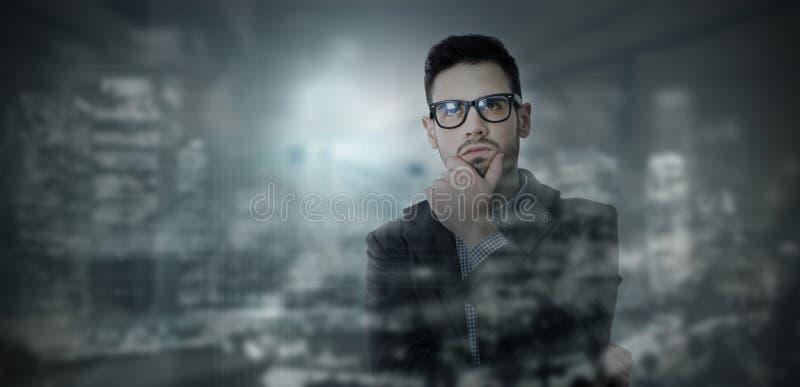 Homem de negócios pensativo, conceito da faculdade criadora fotos de stock