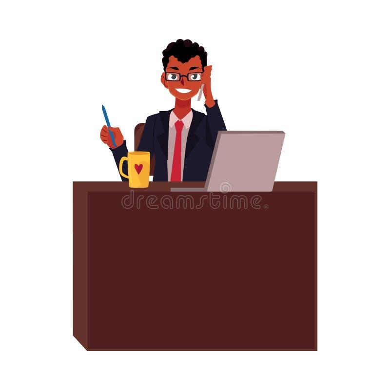Homem de negócios preto, africano que trabalha na tabela do escritório, falando pelo telefone ilustração royalty free