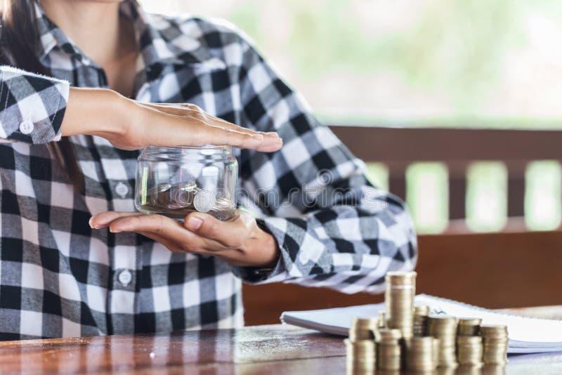 Homem de negócios Protecting Coins Conceito financeiro da segurança foto de stock royalty free