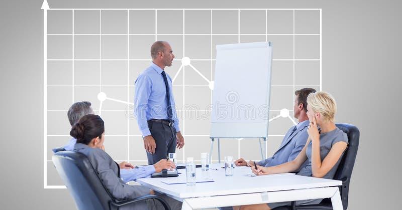 Homem de negócios que dá a apresentação aos colegas contra o gráfico ilustração stock