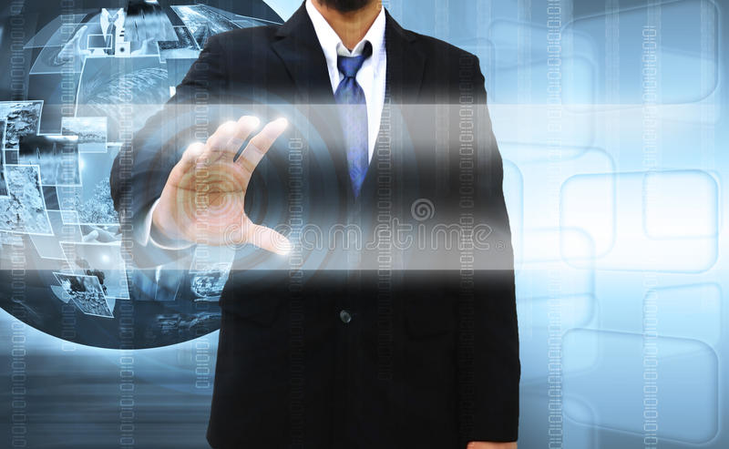 Homem de negócios que empurra um ecrã táctil ilustração stock