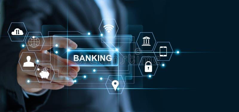 Homem de negócios que mantém o ` da operação bancária do ` da palavra disponivel com rede do ícone ilustração royalty free