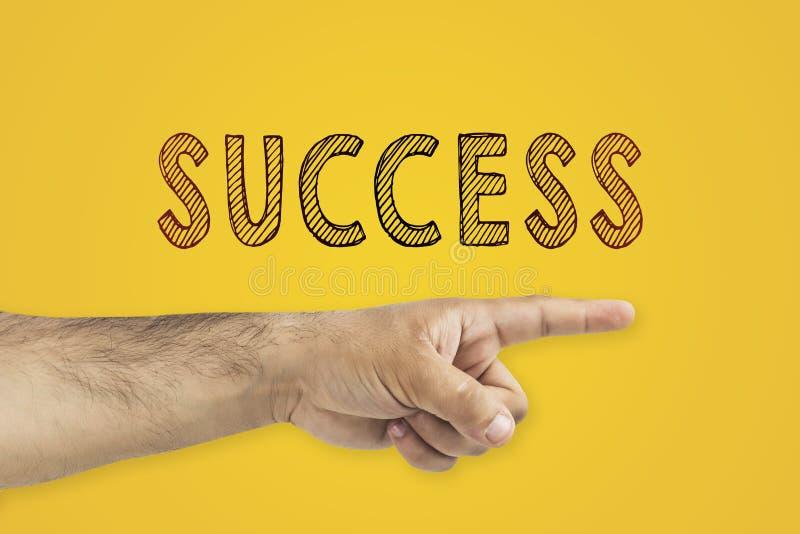 Homem de negócios que mostra a maneira ao sucesso Sentido ao sucesso imagens de stock