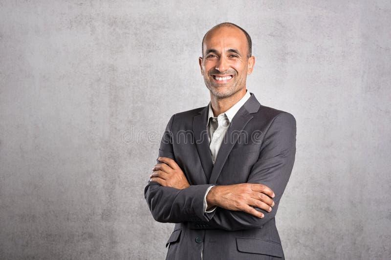 Homem de negócios seguro maduro imagens de stock royalty free