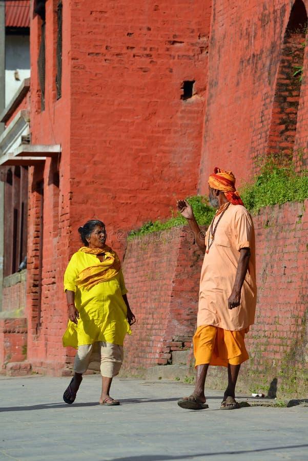 Homem de Sadhu no templo hindu santamente de Pashupatinath. Nepal fotos de stock