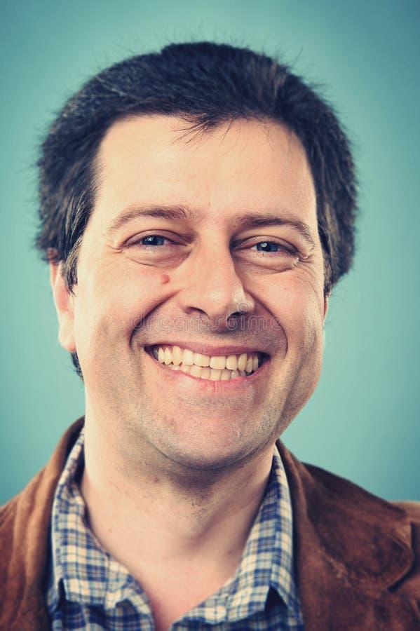 Homem de sorriso do retrato imagens de stock royalty free