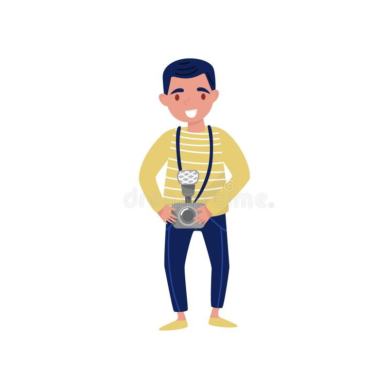 Homem de sorriso novo com câmera à disposição Profissional no trabalho Personagem de banda desenhada do projeto liso do vetor do  ilustração stock