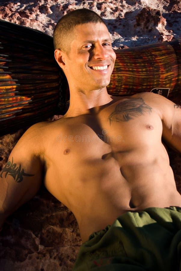 Homem de sorriso 'sexy'. imagem de stock