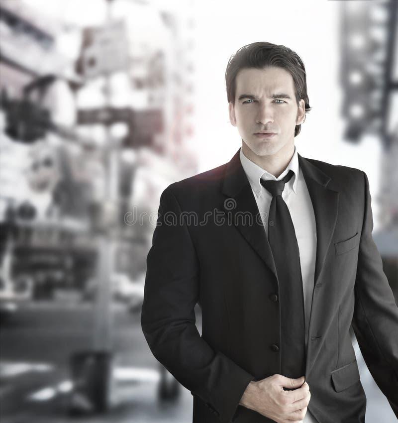 Homem dinâmico de gama alta foto de stock royalty free