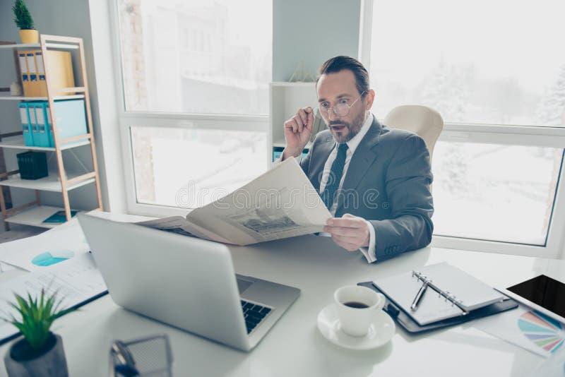 Homem do corretor do banqueiro do analista do agente do advogado do contador em t à moda foto de stock royalty free