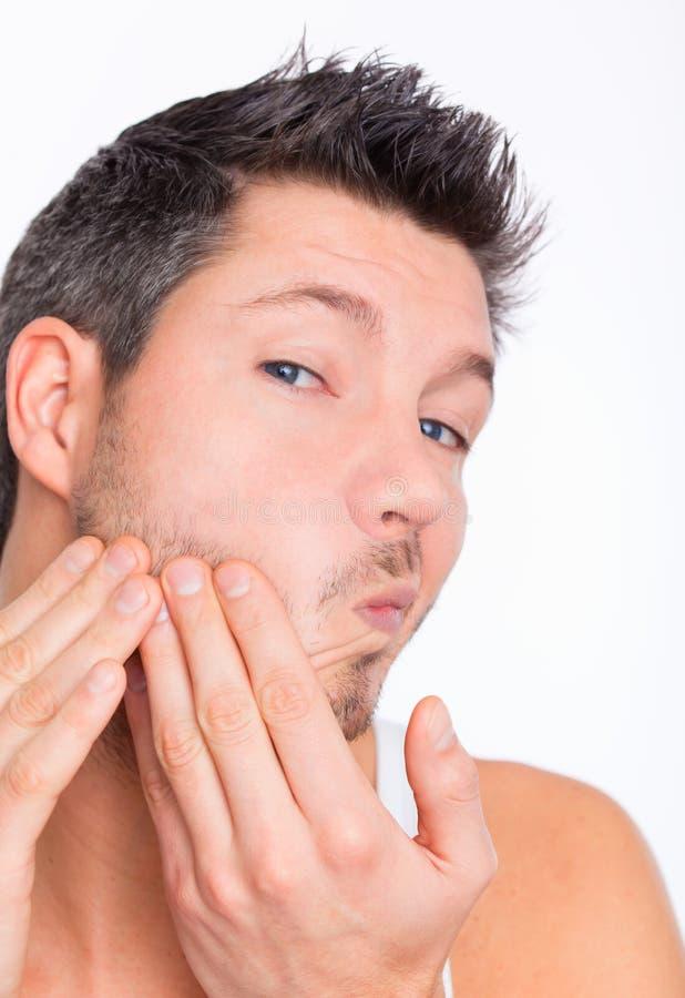 Homem do cuidado de pele imagem de stock royalty free
