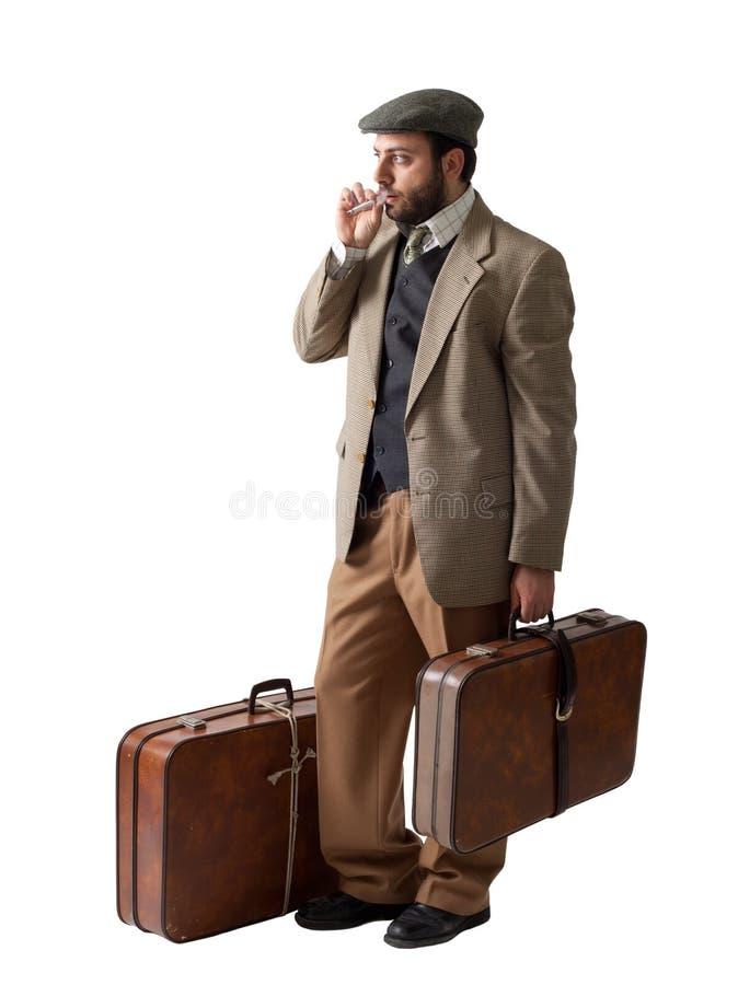 Cat Café - Página 6 Homem-do-emigrante-com-as-malas-de-viagem-29765376