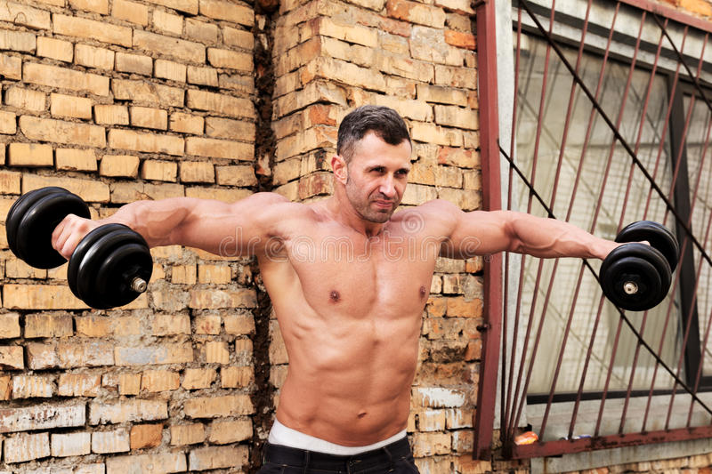 Homem do músculo foto de stock royalty free