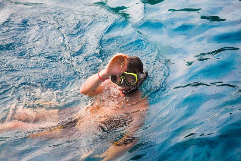Homem do mergulho fotografia de stock