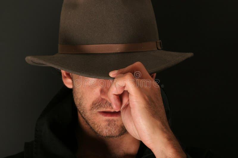 Homem do mistério com chapéu fotos de stock