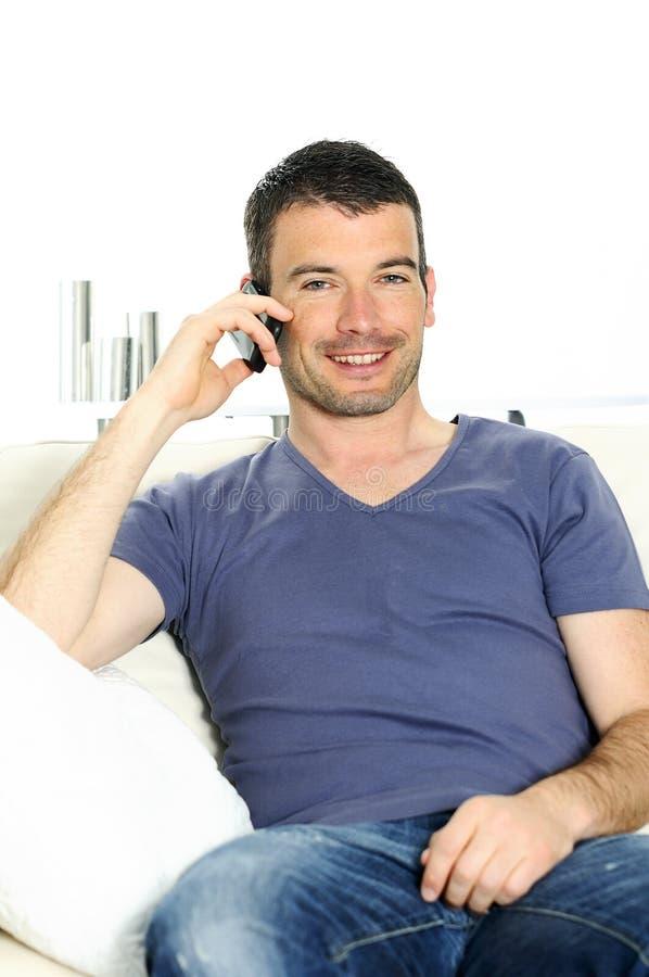 Homem do telemóvel fotografia de stock royalty free