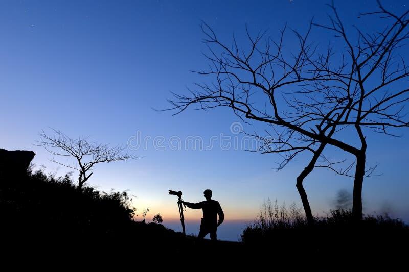 Homem e câmera foto de stock royalty free