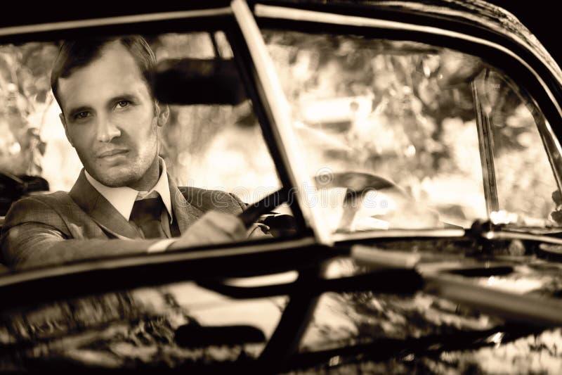 Homem em um carro imagem de stock royalty free