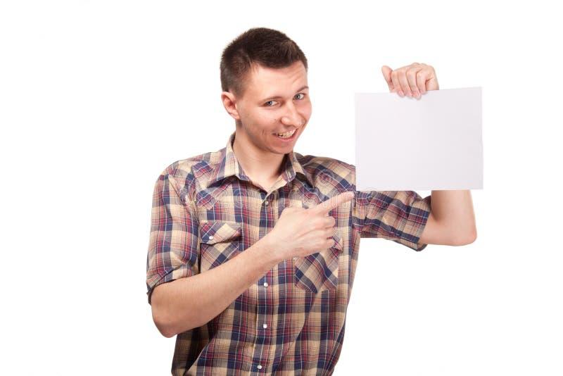 Homem em uma camisa de manta com placa branca vazia fotos de stock royalty free