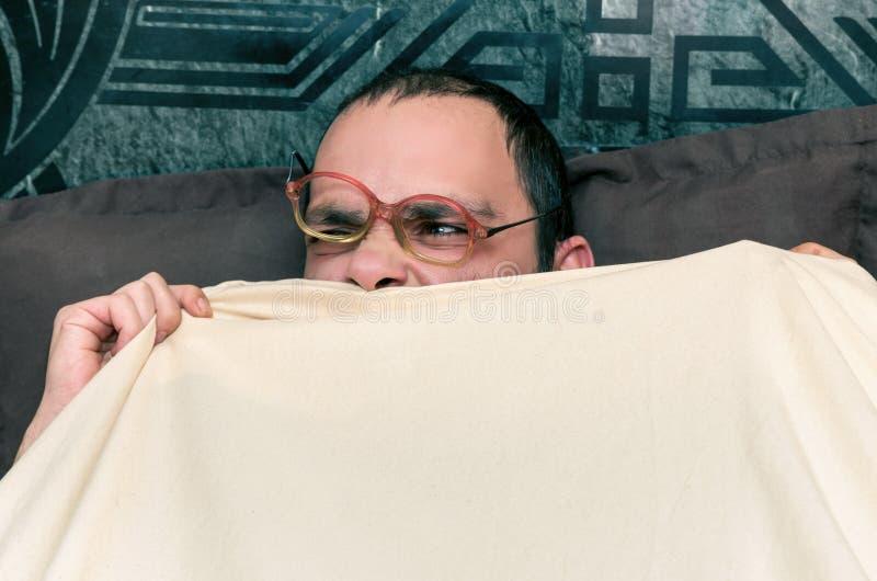 Homem engraçado com vidros fotografia de stock
