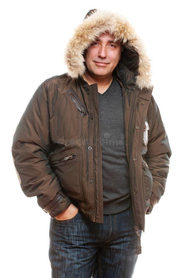 Homem envelhecido médio no revestimento do inverno fotografia de stock royalty free