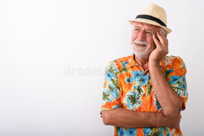 Homem farpado superior triste do turista que pensa ao olhar forçado fotos de stock