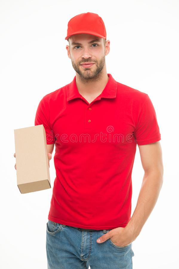 Homem feliz com branco isolado pacote do cargo Entregando sua compra Presentes por feriados Fornecimento de serviços do correio fotografia de stock