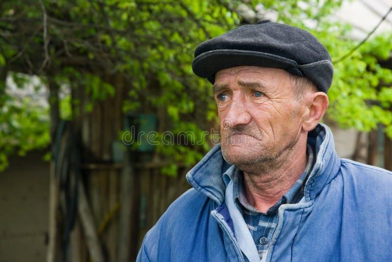 Homem idoso triste fotografia de stock royalty free