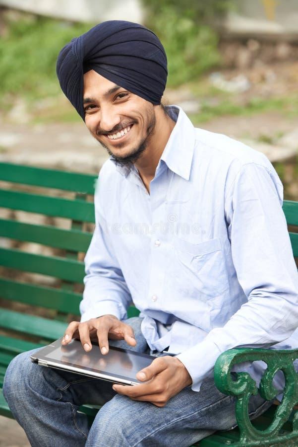 Homem indiano adulto novo do sikh fotos de stock royalty free