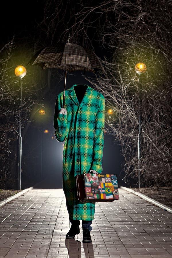 Homem invisível com guarda-chuva do vintage foto de stock royalty free