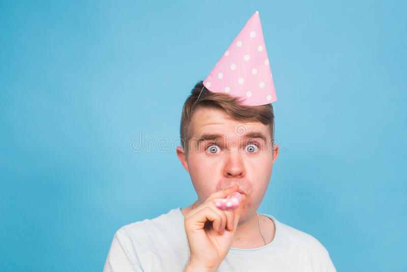 Homem louco do tolo Expressão feliz Conceito do dia dos enganados fotos de stock royalty free