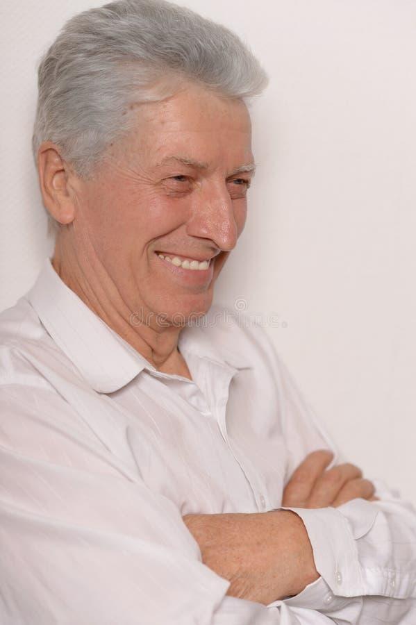 Homem maduro glorioso na camisa imagens de stock