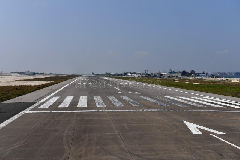 HOMEM, MALDIVAS - 11 de fevereiro de 2018 - aeroporto internacional masculino de maldives foto de stock royalty free